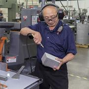 Cómo controlar el ruido en el lugar de trabajo (Guía para empleadores)